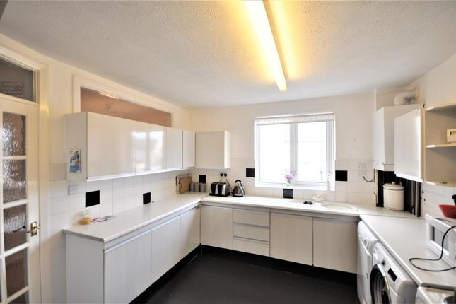 Thumbnail Flat for sale in Beach Road, Cleveleys, Thornton Cleveleys, Lancashire