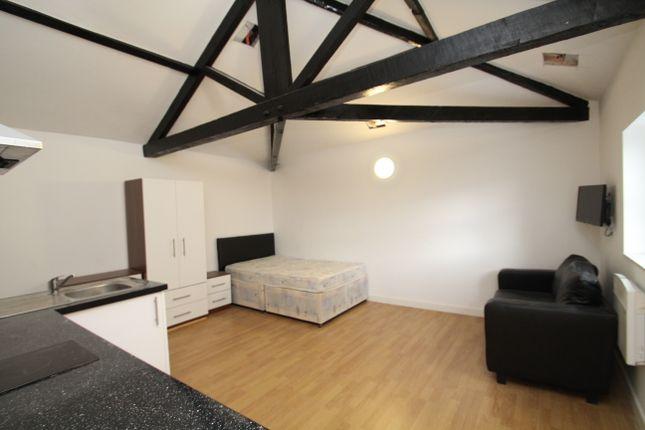 Thumbnail Flat to rent in Bridge Road, Kirkstall, Leeds