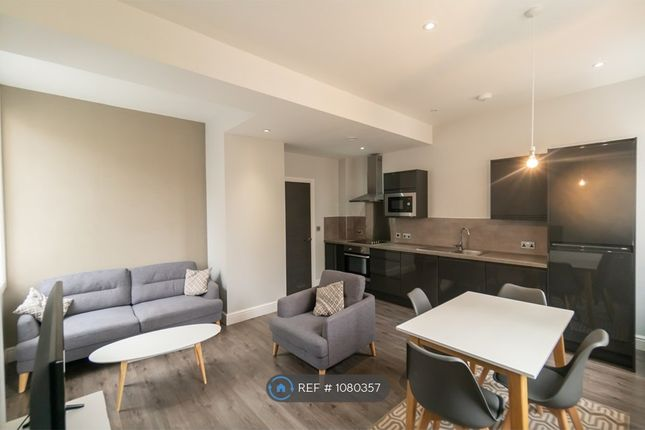 2 bed flat to rent in Water Street, Liverpool L2