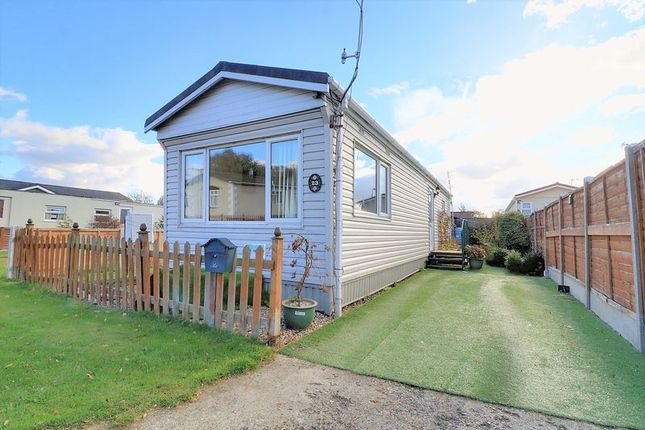Thumbnail Mobile/park home for sale in New Road, Ashfield Park, Scunthorpe