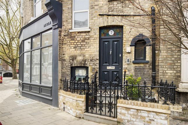 6 bed terraced house for sale in Cardwell Terrace, London