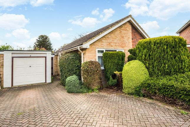 Thumbnail Bungalow to rent in Bream Close, Marlow