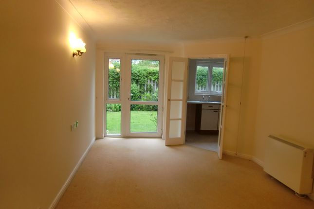 Flat to rent in Primrose Court, Primley Park View, Leeds, West Yorkshire