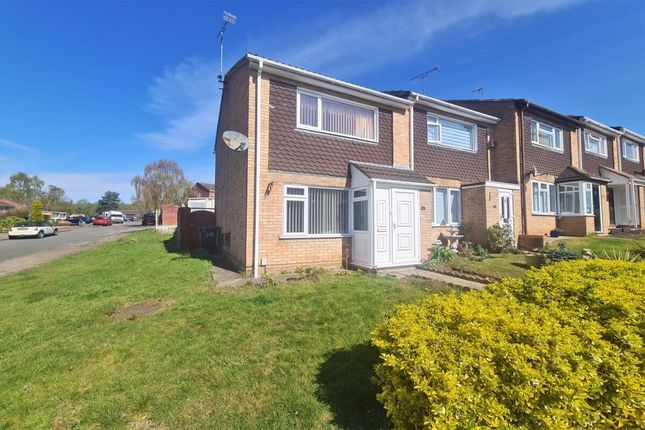 Thumbnail Terraced house for sale in Chanders Road, Warwick