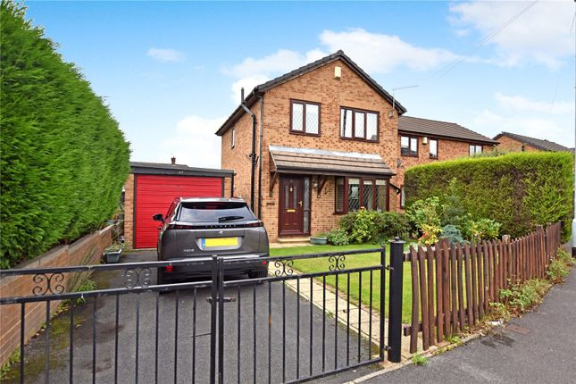 Thumbnail Detached house for sale in Bruntcliffe Drive, Morley, Leeds