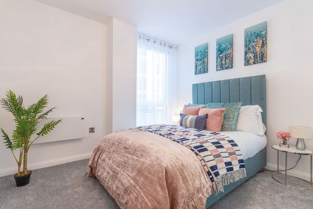 Thumbnail Flat to rent in Farnborough Road, Farnborough