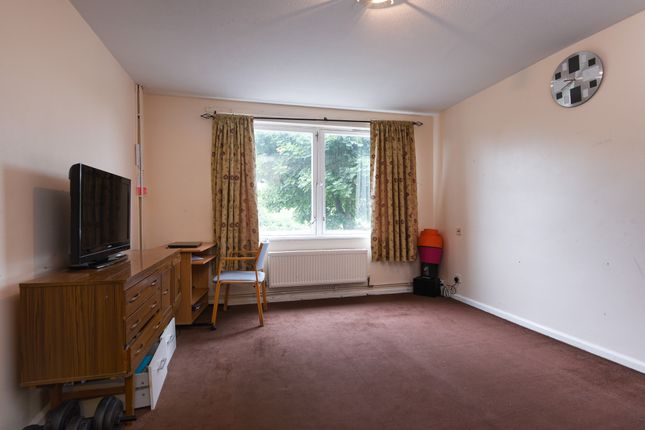 Thumbnail Town house for sale in Whinchat Road, Thamesmead