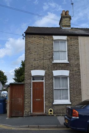 Thumbnail Terraced house to rent in Stanley Road, Cambridge