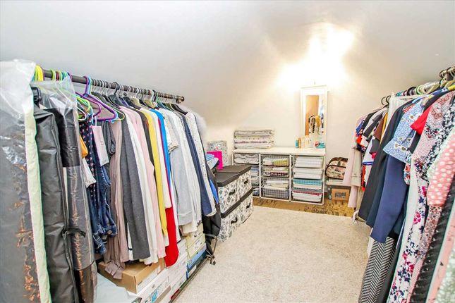 Dressing Room/Walk In Wardrobe