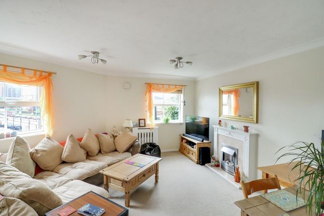 Thumbnail Flat for sale in Staines Road West, Sunbury-On-Thames