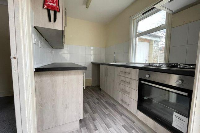Thumbnail Detached house to rent in Kensington Avenue, London