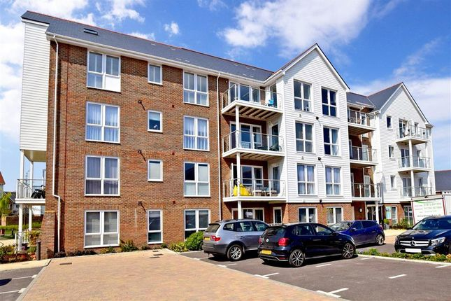 Thumbnail Flat for sale in Walters Close, Snodland, Kent