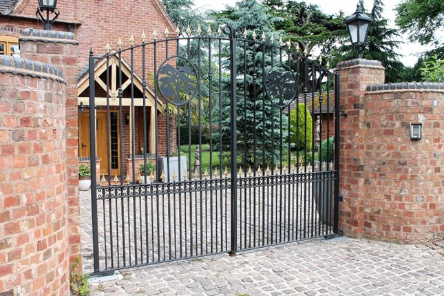 Gated Entrance of Cedar Tree Close, Stourport-On-Severn DY13