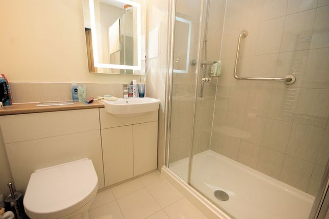 En-Suite Shower of Harbour Road, Gosport PO12