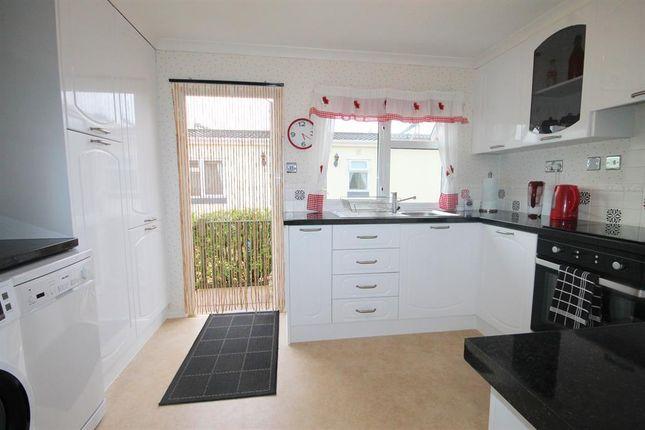 Kitchen of Amington Park, Amington, Tamworth B77