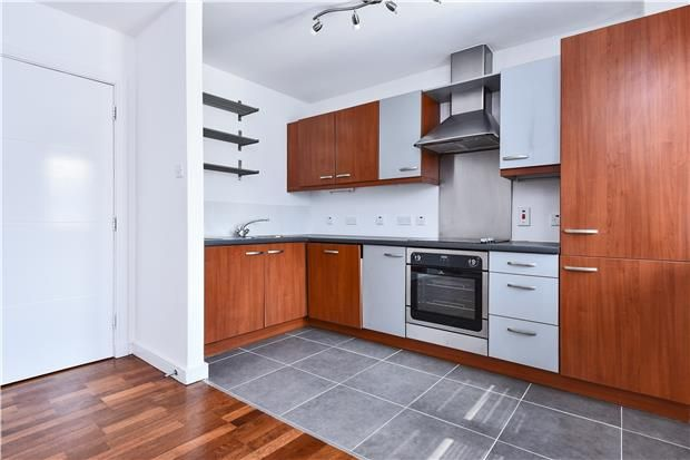Thumbnail Flat for sale in Upper Tooting Road, London