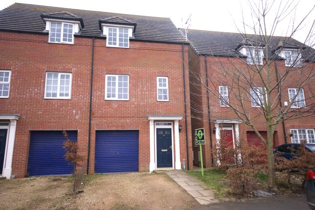 Thumbnail Semi-detached house to rent in Oxford Gardens, Holbeach, Spalding
