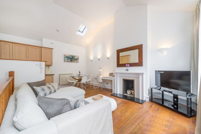 Thumbnail Barn conversion to rent in Fitzroy Square, London