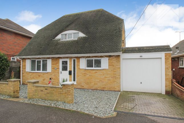 Thumbnail Detached house for sale in Daarle Avenue, Canvey Island