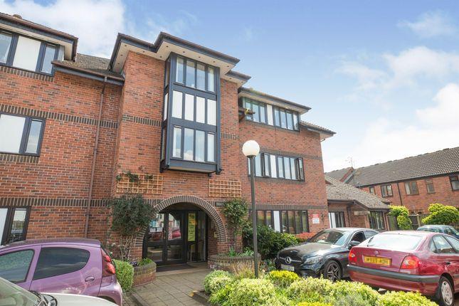 Thumbnail Flat for sale in Coten End, Warwick
