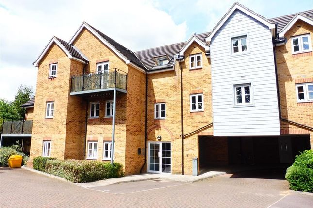 Thumbnail Flat to rent in Ebberns Road, Hemel Hempstead