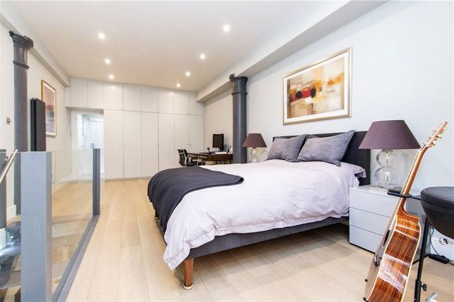 Thumbnail Flat to rent in Green Walk, London