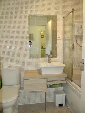 9Cp - Bathroom of Cory Place, Windsor Quay, Cardiff CF11