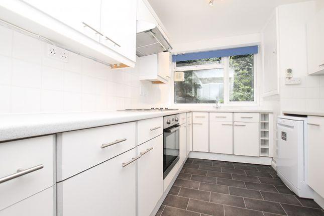 Thumbnail Flat to rent in Beechcroft Manor, Weybridge