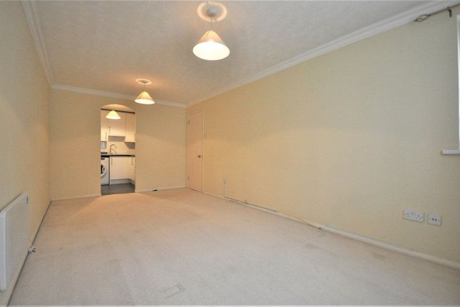 1 bed flat to rent in Mildred Avenue, Watford