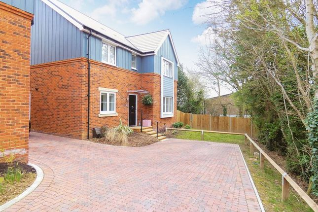 Thumbnail Detached house for sale in Compass Way, Swanwick, Southampton