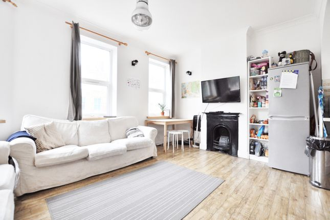 Thumbnail Flat to rent in Chapel Market, London