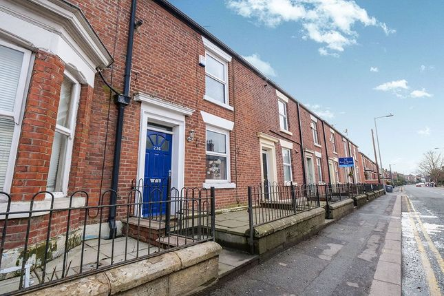 Thumbnail Terraced house for sale in Mottram Road, Hyde