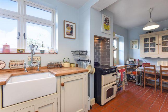 Thumbnail Semi-detached house to rent in Godalming Avenue, Wallington