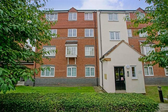 Thumbnail Flat to rent in Node Way Gardens, Welwyn