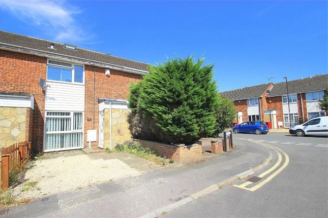 Thumbnail Detached house to rent in Dart Close, Langley, Berkshire