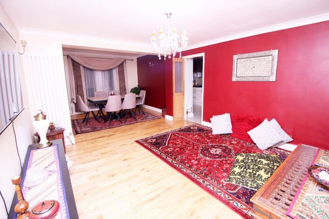 Thumbnail Semi-detached house for sale in Sopwith Road, Heston, Middlesex
