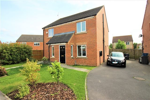 Thumbnail Semi-detached house to rent in Kensington Close, Dinnington, Sheffield