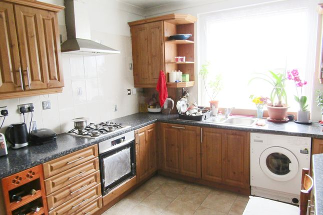Kitchen of Graham Road, Hackney E8