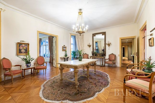 Apartment for sale in Paris 16th (Porte-Dauphine), 75016, France