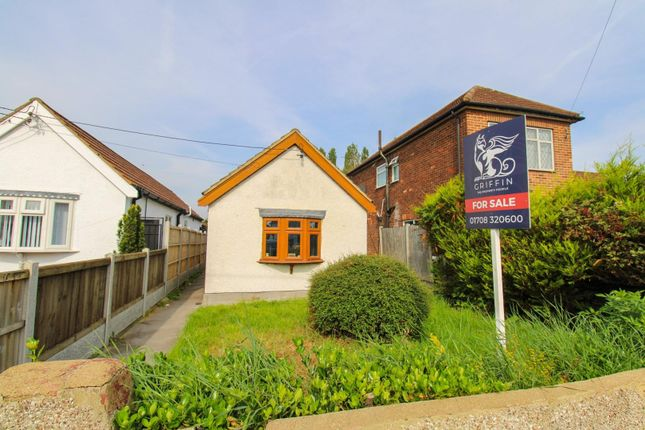 Thumbnail Detached bungalow for sale in Betterton Road, Rainham