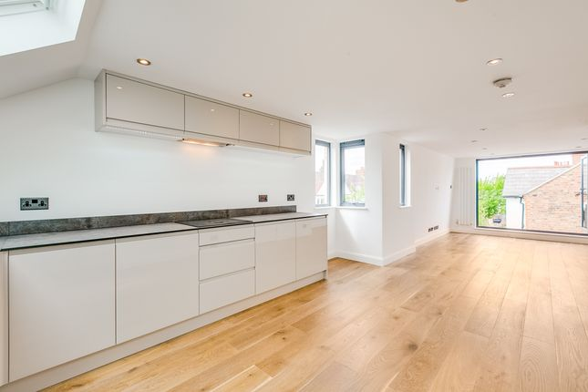 Thumbnail Flat for sale in Somerset Road, London