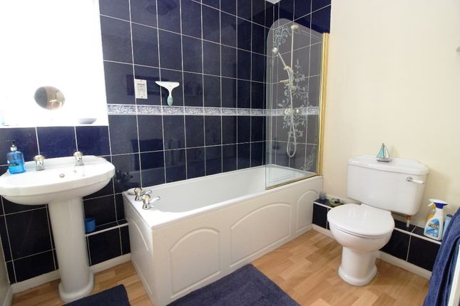 Bathroom of Fawkham Road, West Kingsdown, Sevenoaks TN15