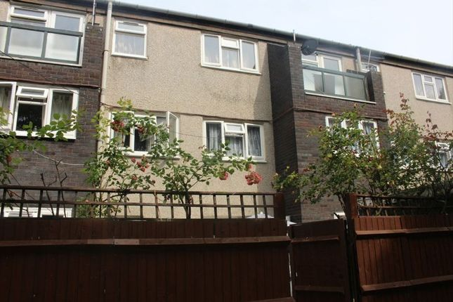 3 bed flat for sale in Hunt Road, Southall