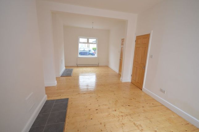 Thumbnail Terraced house to rent in Glenfarg Road, London
