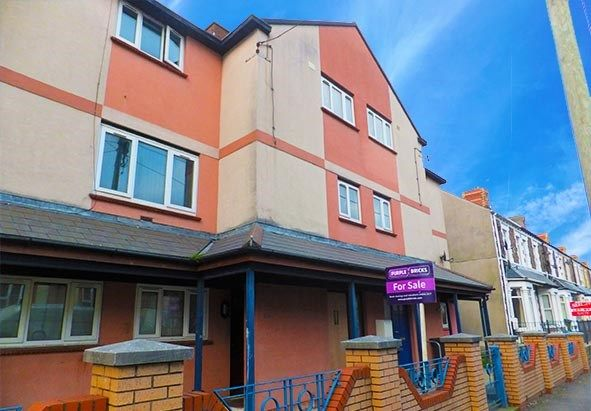 3 bedroom town house for sale in Court Road, Barry