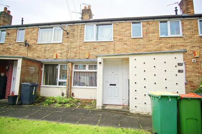 Thumbnail Flat for sale in Farringdon Close, Preston