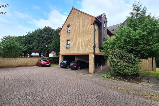 2 bed flat to rent in Lawns Court, Royston SG8