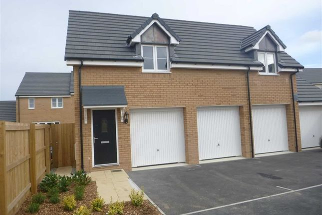 Thumbnail Flat to rent in Fulmar Road, Bude, Cornwall