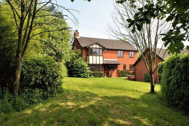 Thumbnail Property for sale in Galloway Close, Holmes Chapel, Crewe