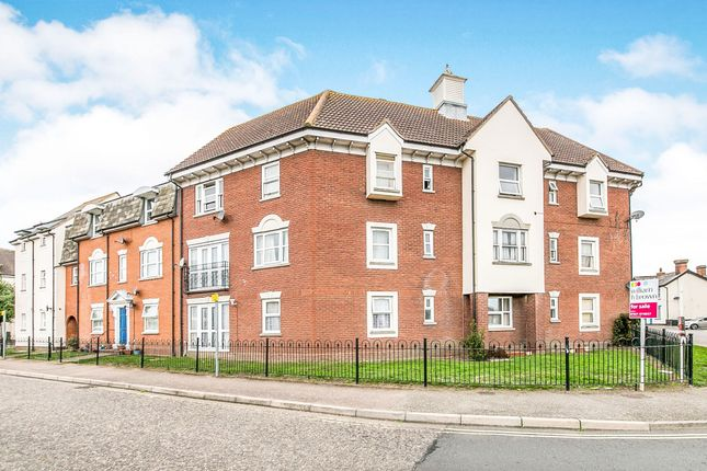 Thumbnail Flat for sale in Tattersalls Chase, Southminster
